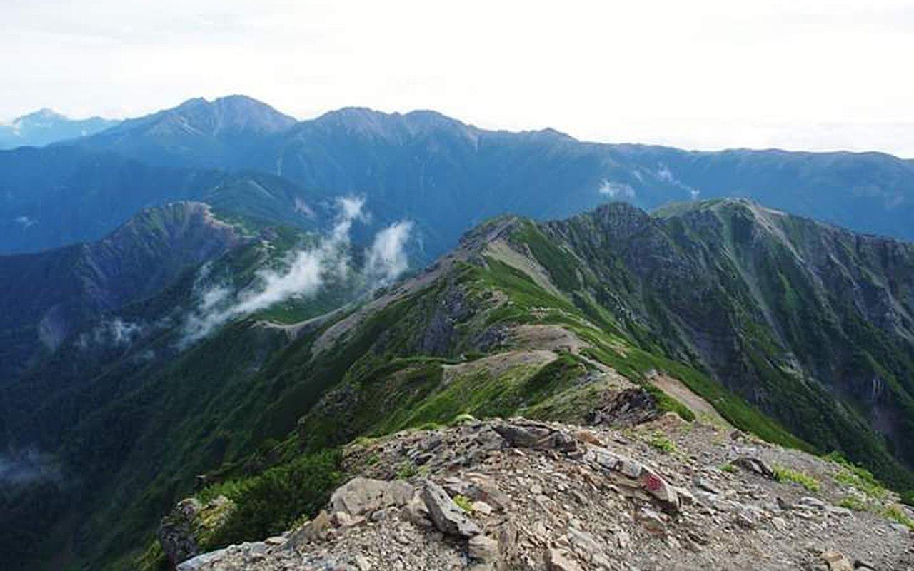 AWAYN IMAGE Climb to Mount Shiomi