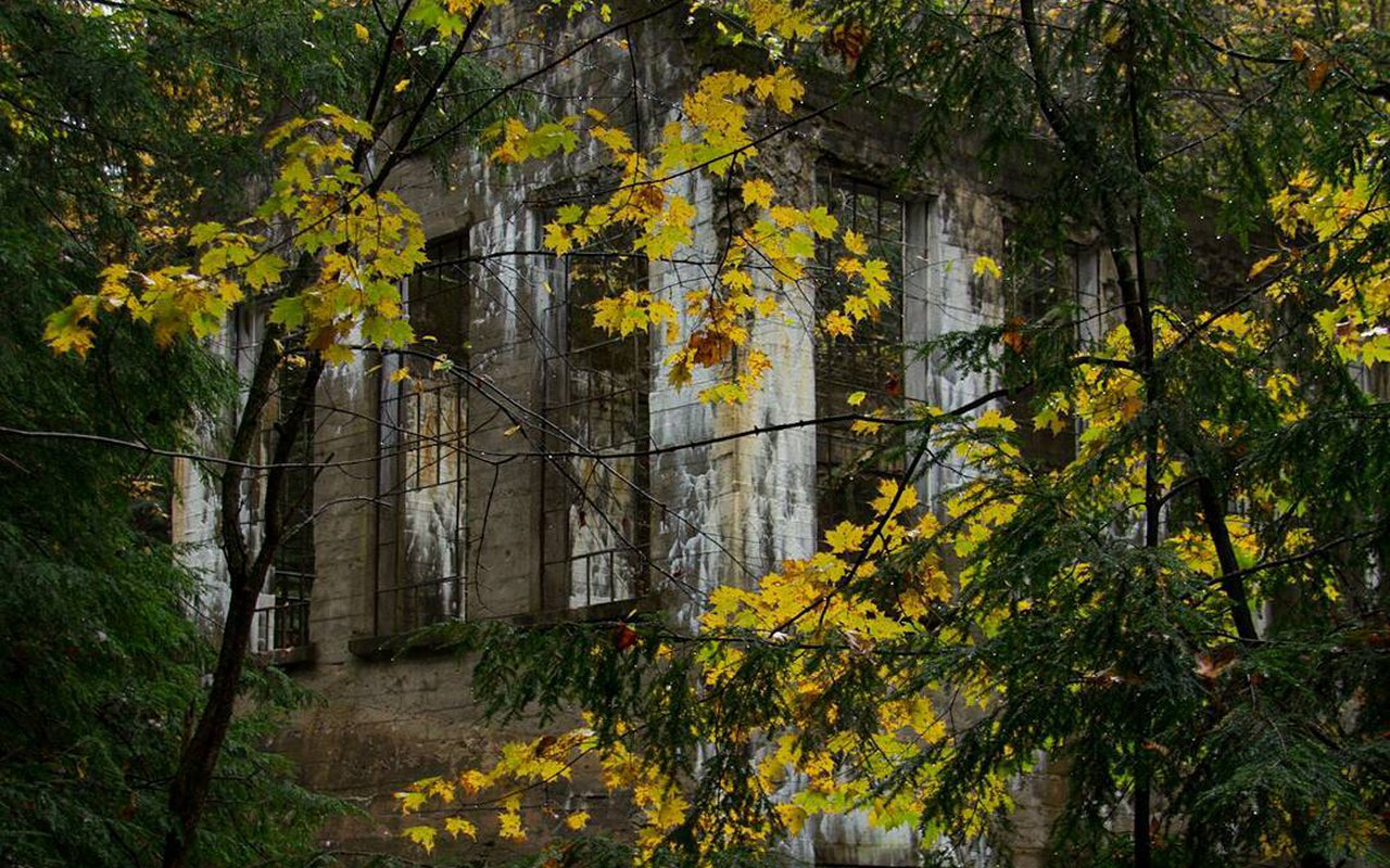AWAYN IMAGE Photography in Carbide Willson Ruins