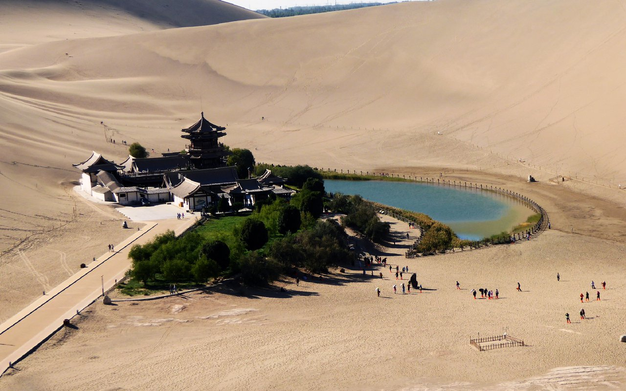 AWAYN IMAGE Visit the Crescent Lake  2,000-year-old Oasis