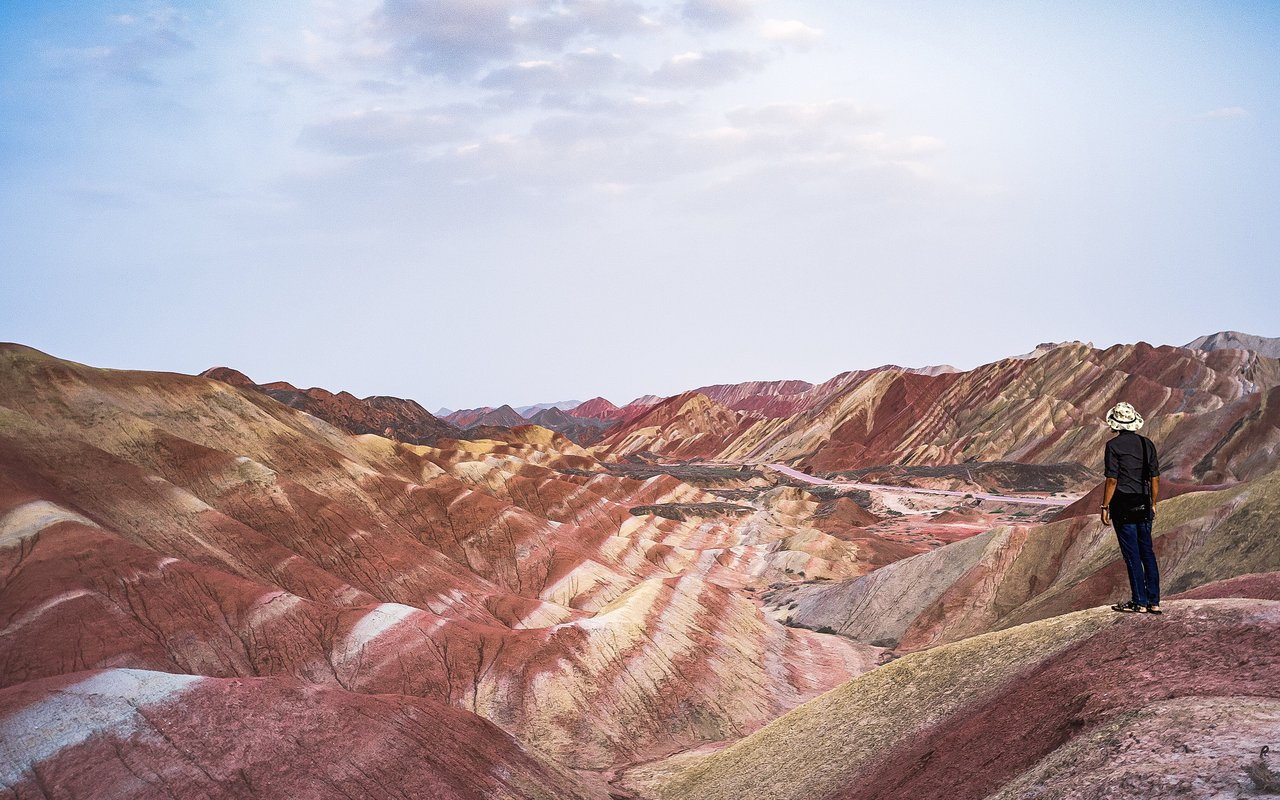 AWAYN IMAGE Hike to the Rainbow Mountains of Zhangye Danxia