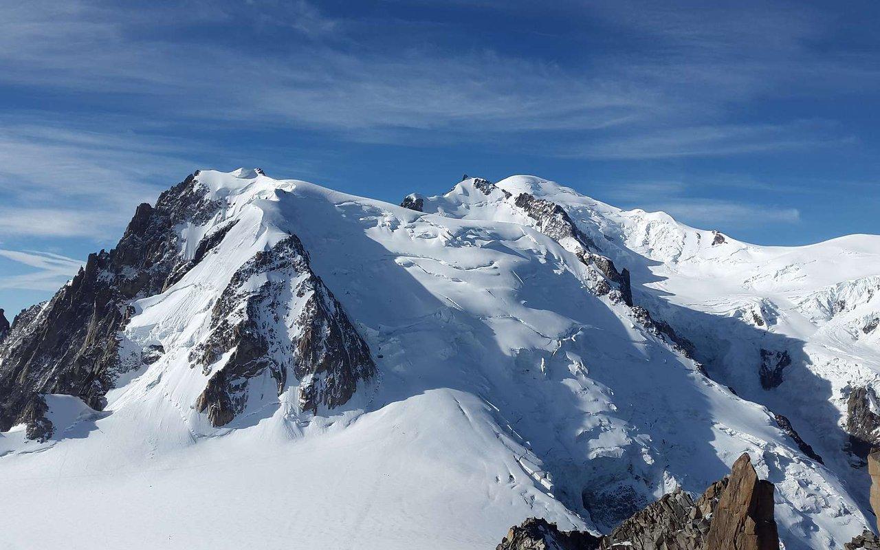 AWAYN IMAGE Ski Touring / Mountaineering in the Chamonix Valley