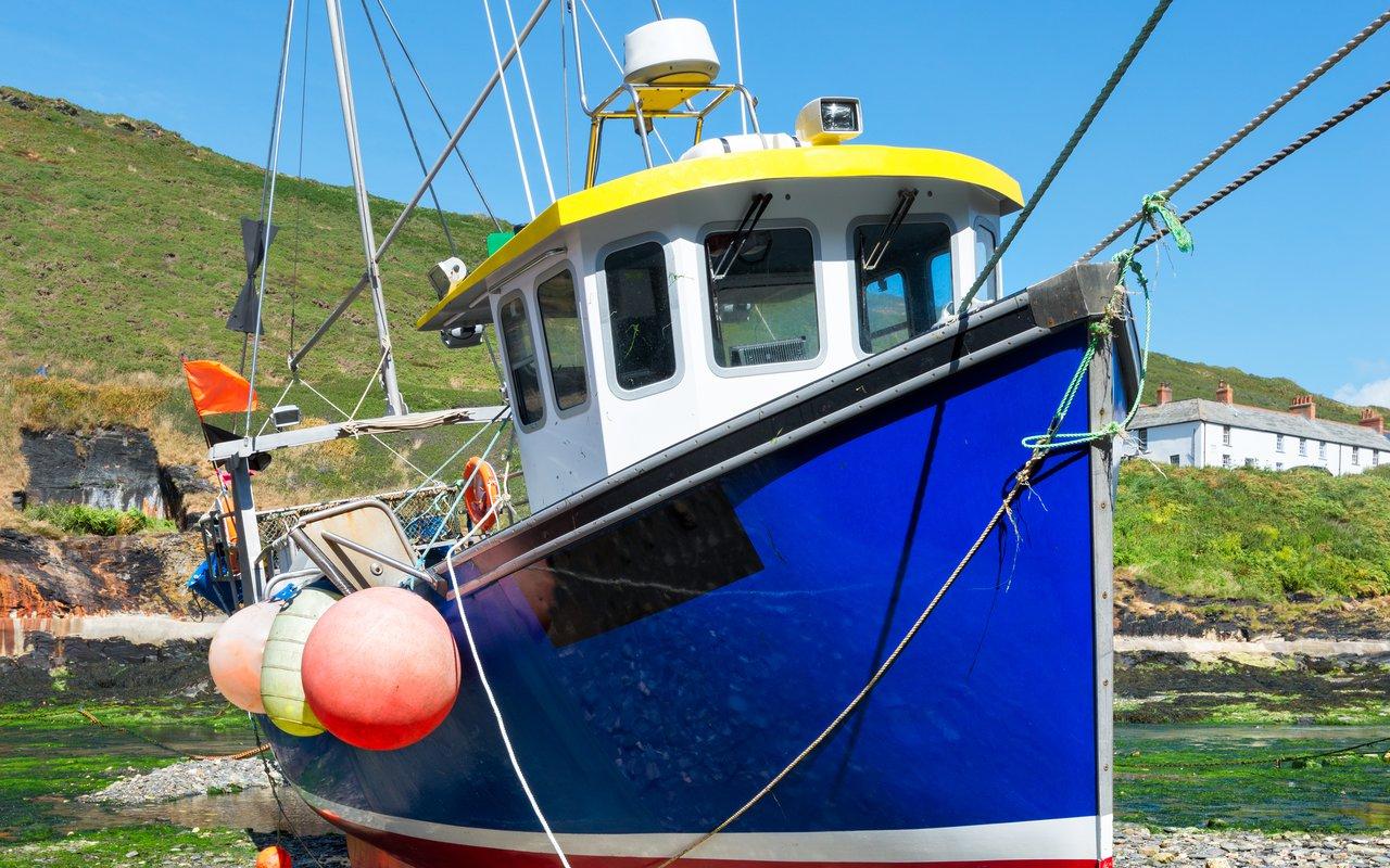 AWAYN IMAGE Boscastle Harbour