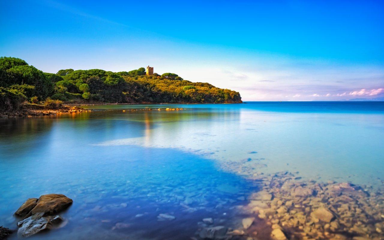 AWAYN IMAGE Punta Ala sea