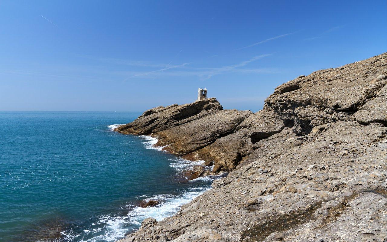 AWAYN IMAGE Punta Chiappa