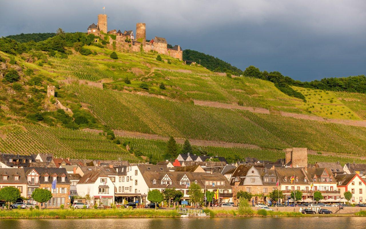 AWAYN IMAGE Thurant Castle