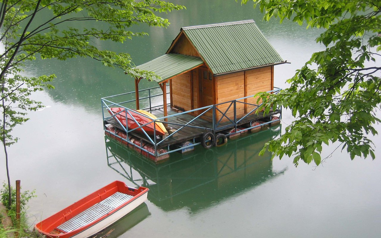 AWAYN IMAGE Drina River House