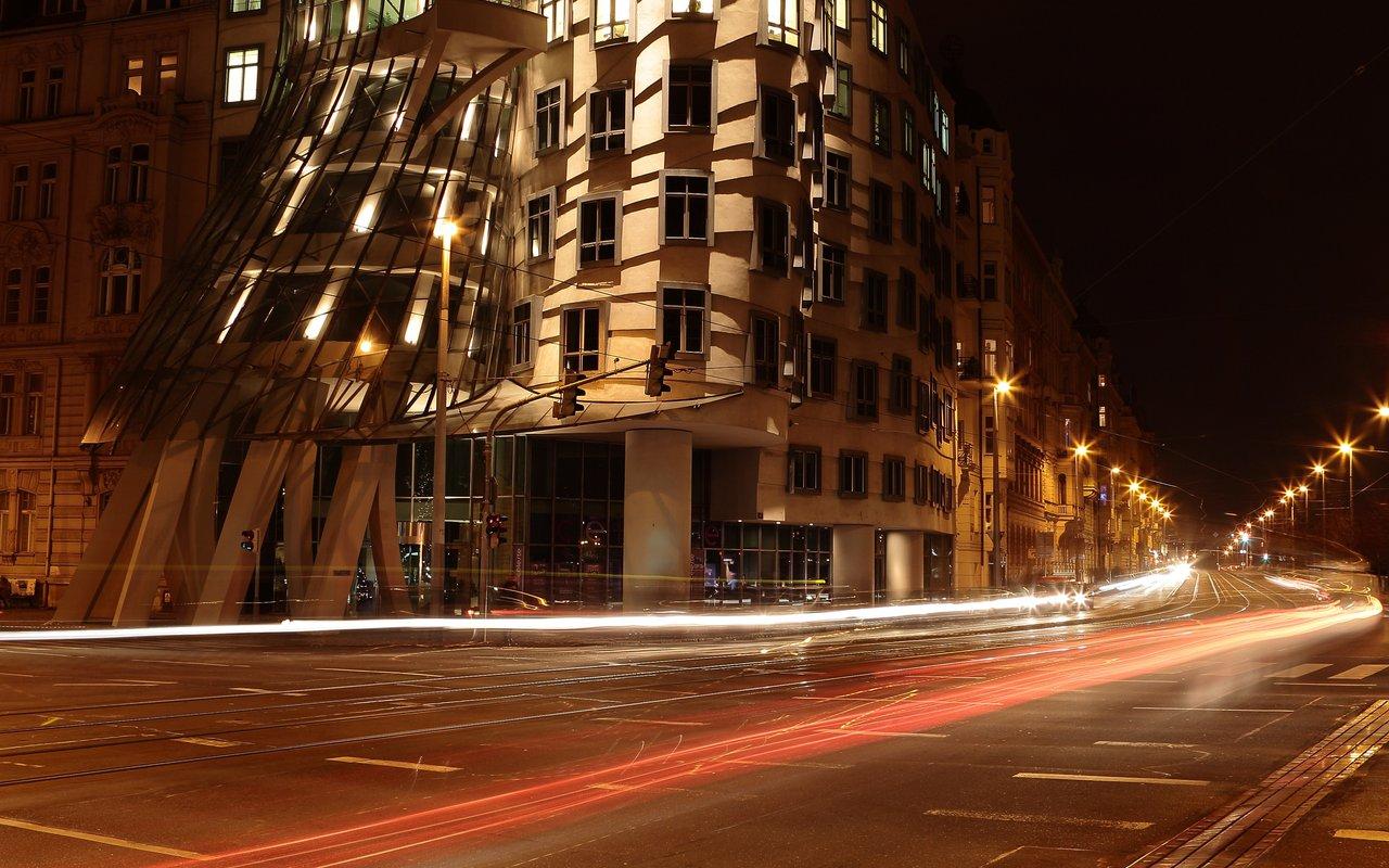 AWAYN IMAGE Tančící dům - Dancing House of Prague