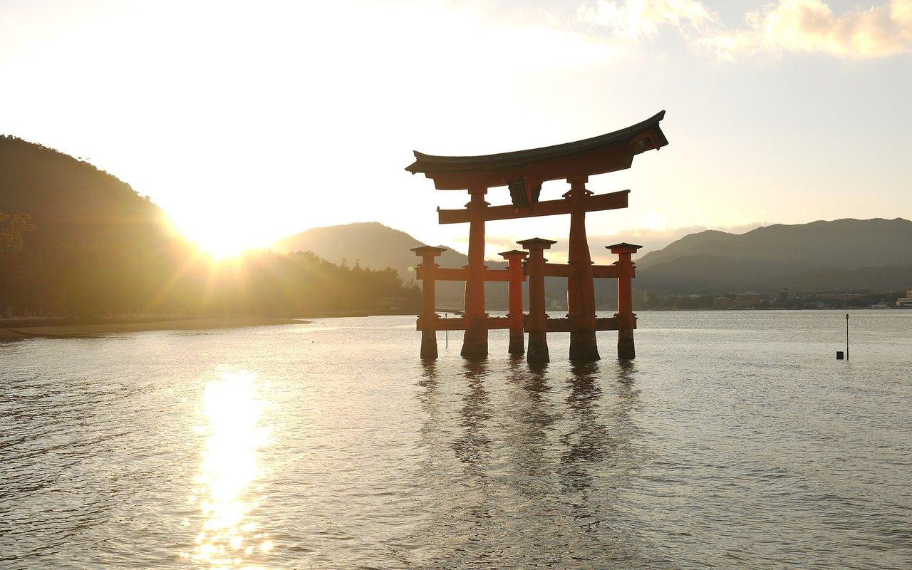 AWAYN IMAGE Photograph Itsukushima Shrine