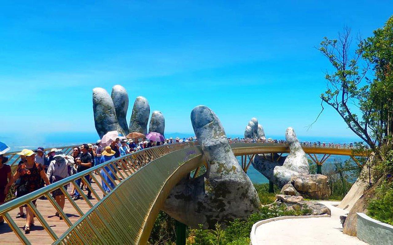 AWAYN IMAGE Walk around the Bà Nà Hills resort - Đường lên tiên cảnh