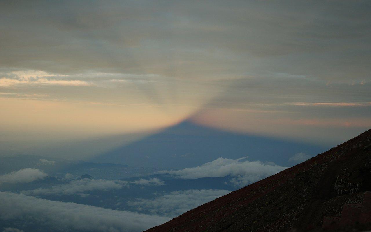 AWAYN IMAGE Mount Fuji (富士山, Fujisan)
