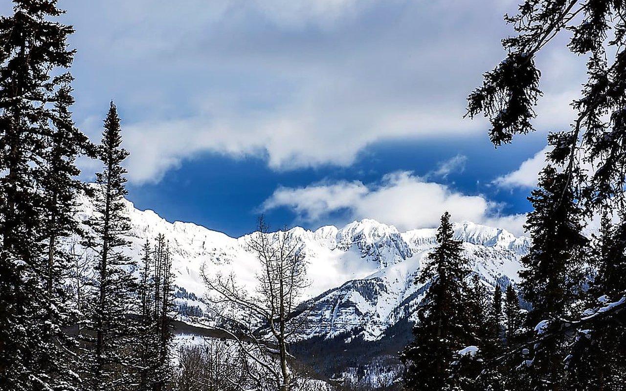 AWAYN IMAGE Quandary Peak Hike and Climbing