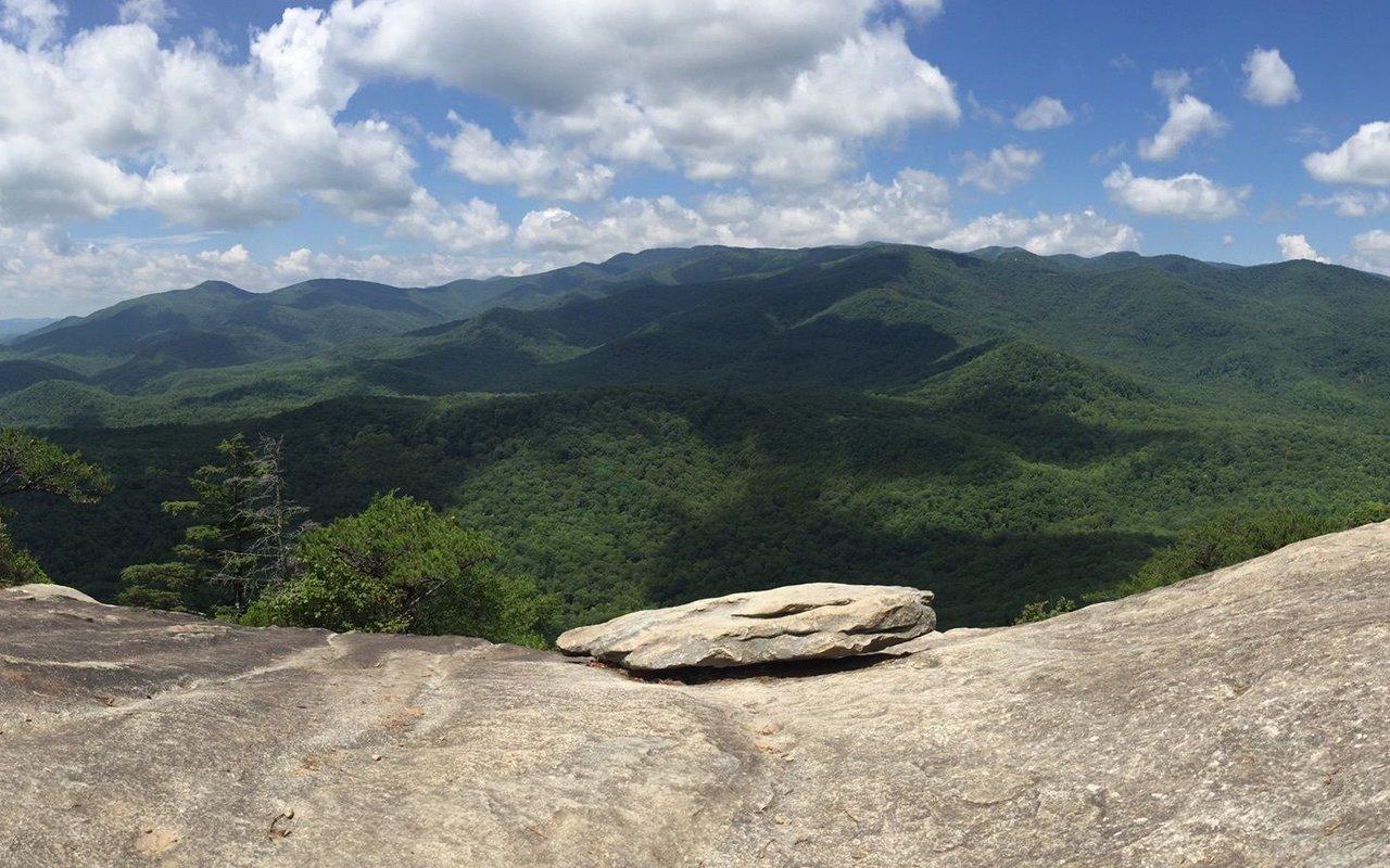 AWAYN IMAGE Hike Looking Glass Rock Trail