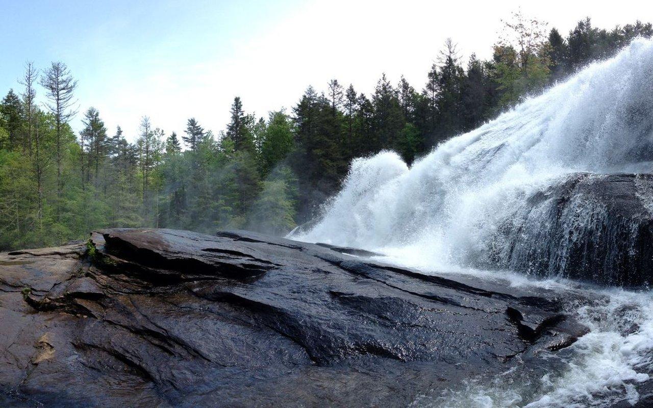 AWAYN IMAGE Hike Triple Falls Trail