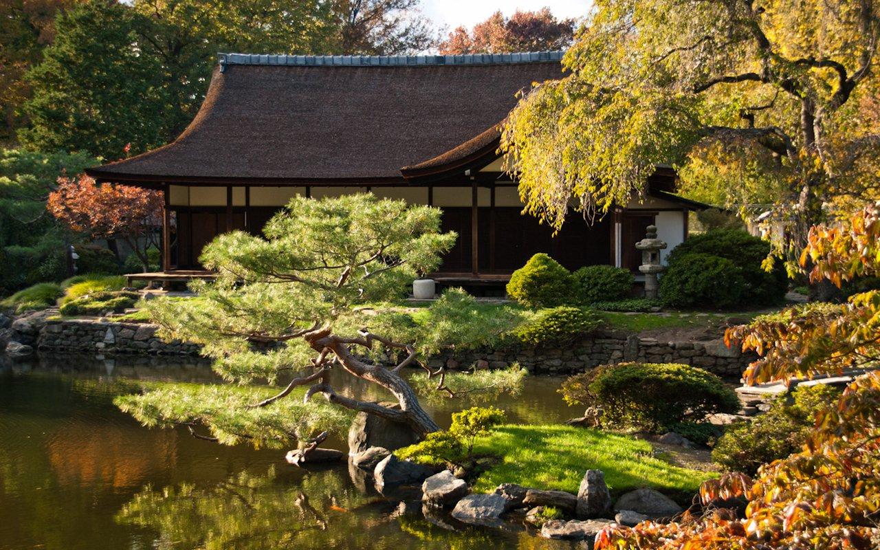 AWAYN IMAGE Wander around the Shofuso Japanese House and Garden