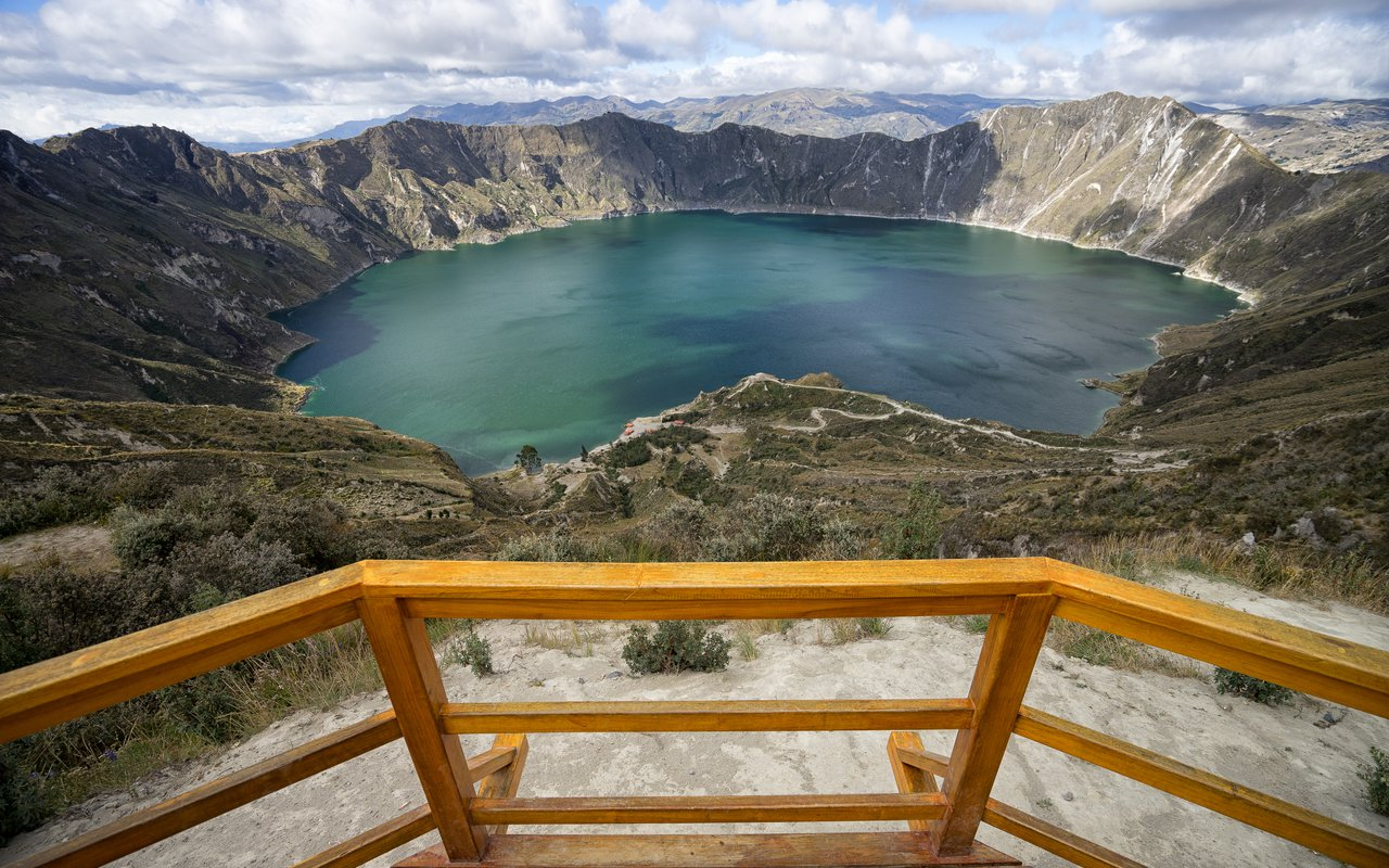 AWAYN IMAGE Drive to Laguna Quilotoa