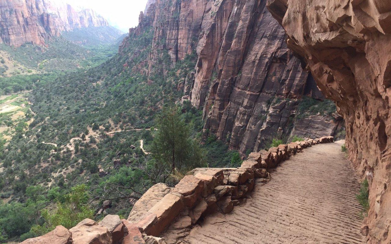 AWAYN IMAGE Angels Landing Refrigerator Canyon hike