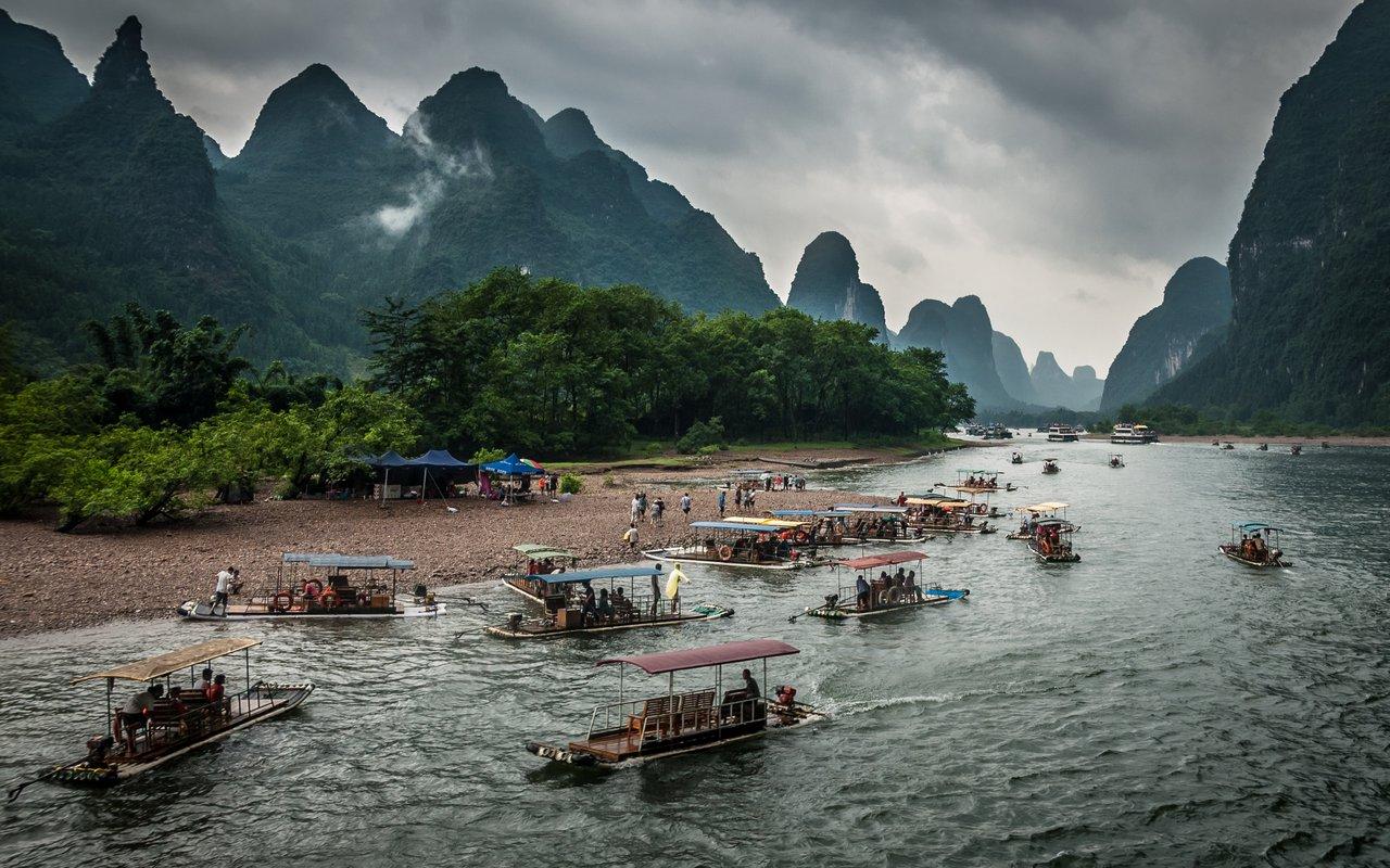 AWAYN IMAGE Li River Valley