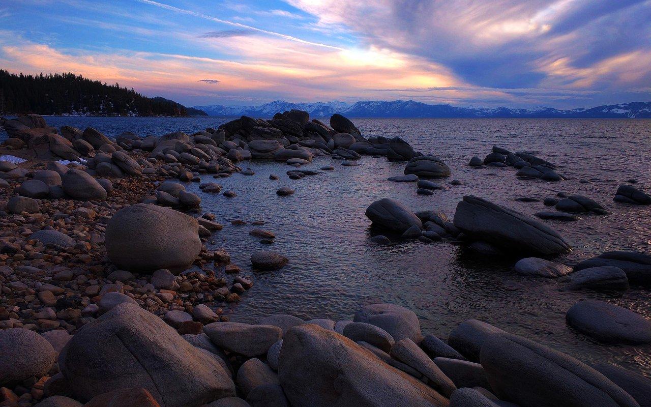 AWAYN IMAGE Fannette Island (lake tahoe island)
