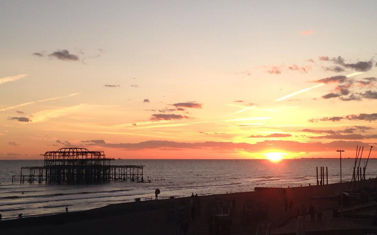 AWAYN IMAGE Catch a sunset Brighton West Pier
