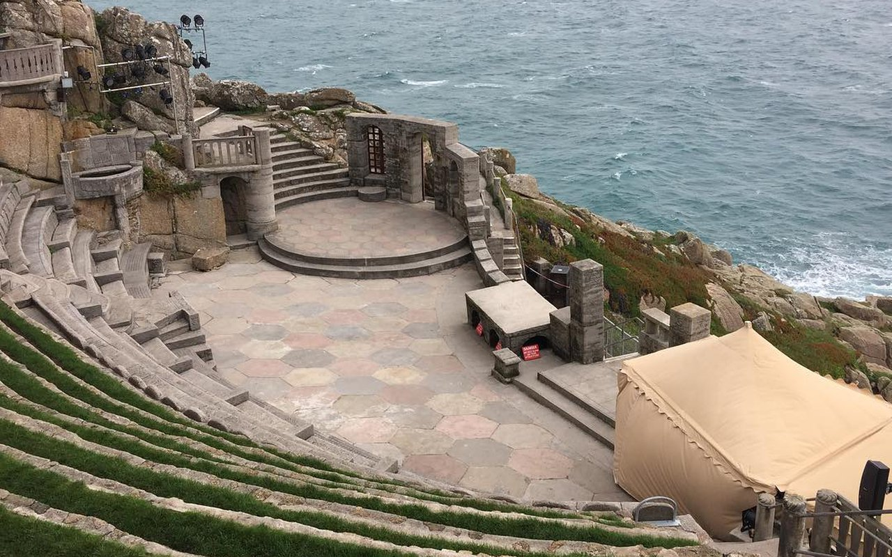 AWAYN IMAGE Walk to Minack Theatre