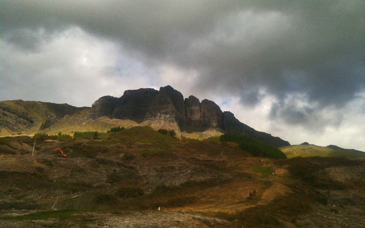 AWAYN IMAGE The Old Man of Storr