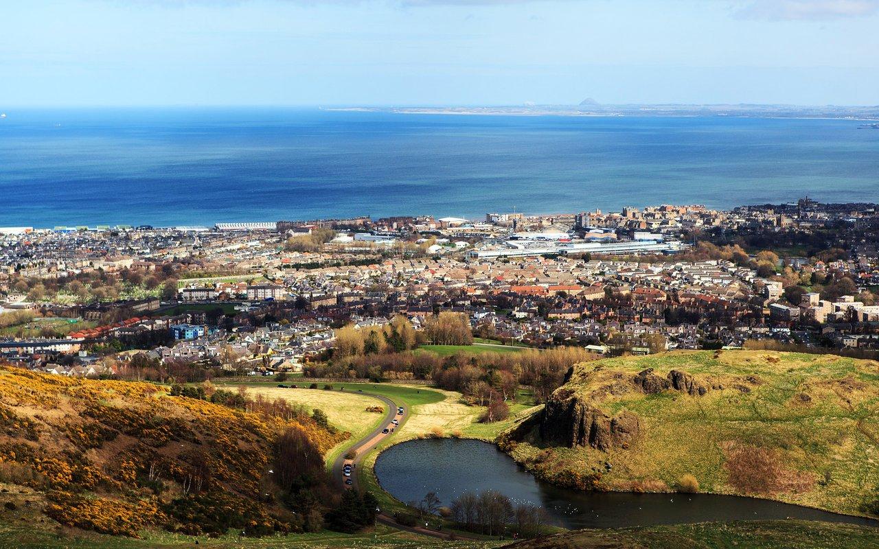 AWAYN IMAGE Arthur's Seat for Edinburgh