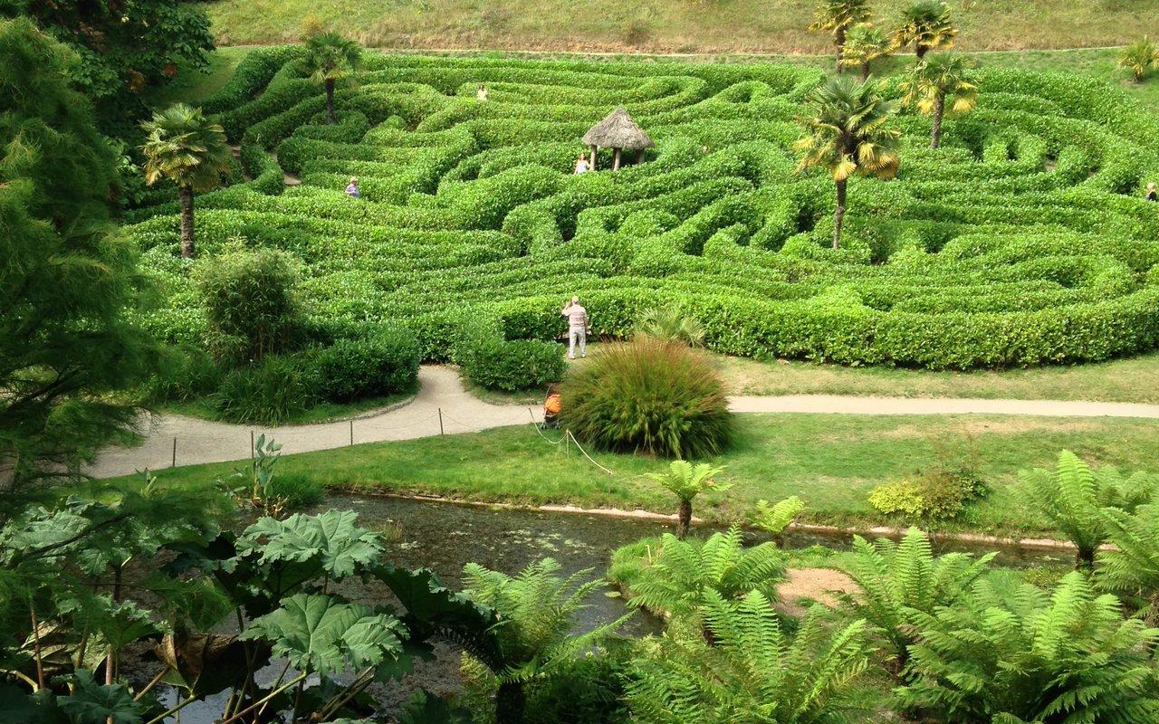 AWAYN IMAGE National Trust - Glendurgan garden North Helford countryside