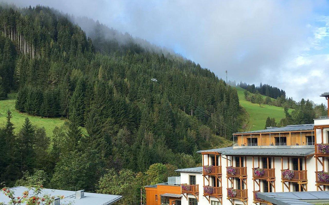 AWAYN IMAGE Murau Trail Frauenalpe Hike