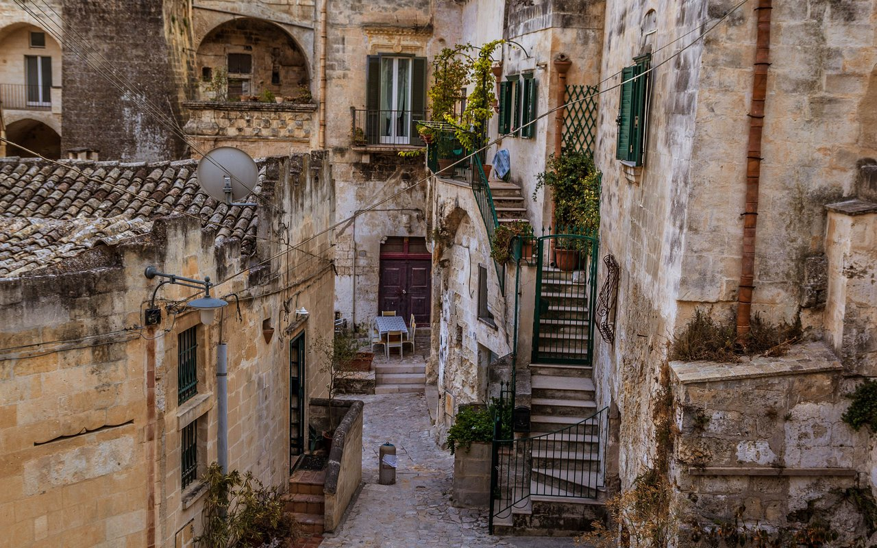 AWAYN IMAGE Walk around Sassi di Matera