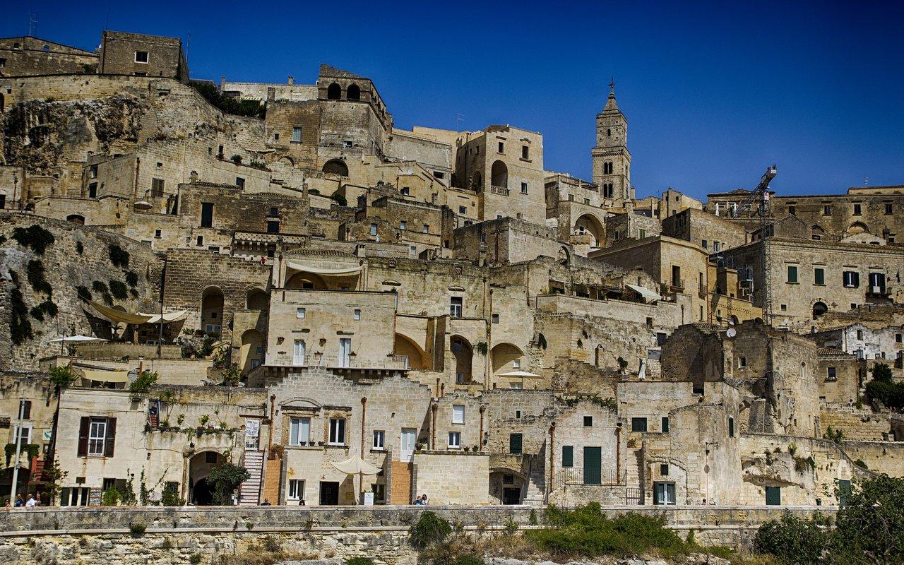AWAYN IMAGE Walk around the streest of Sassi di Matera