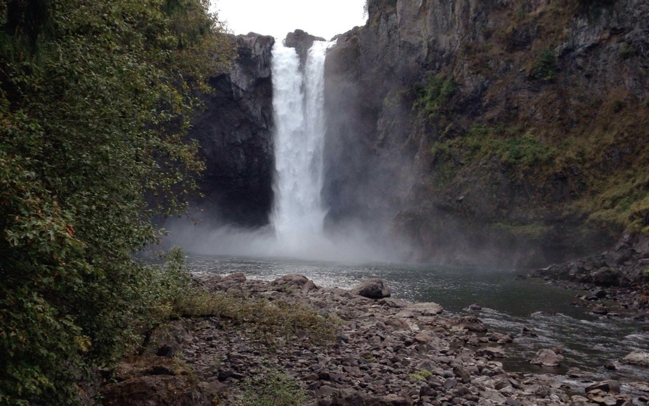 AWAYN IMAGE Snoqualmie Falls