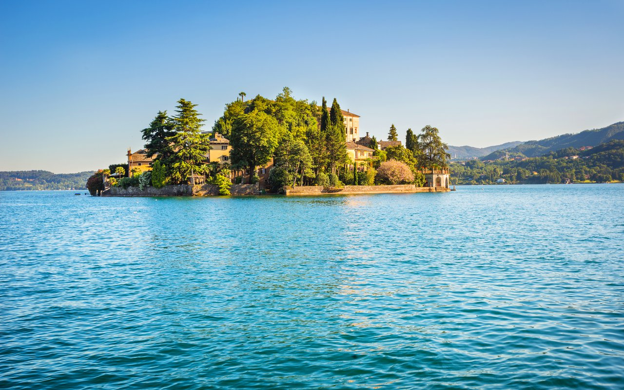 AWAYN IMAGE Drive up to see the Isola San Giulio