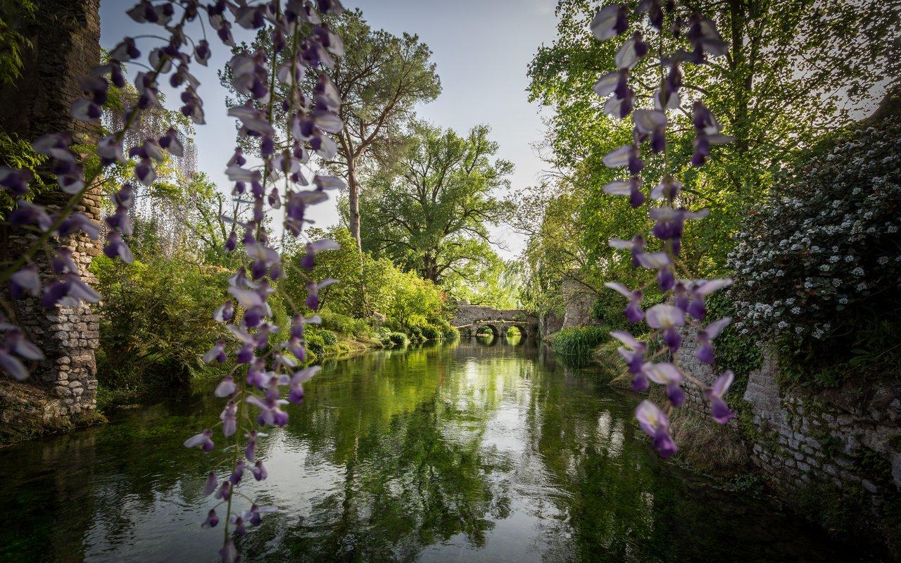 AWAYN IMAGE Gardens of Ninfa