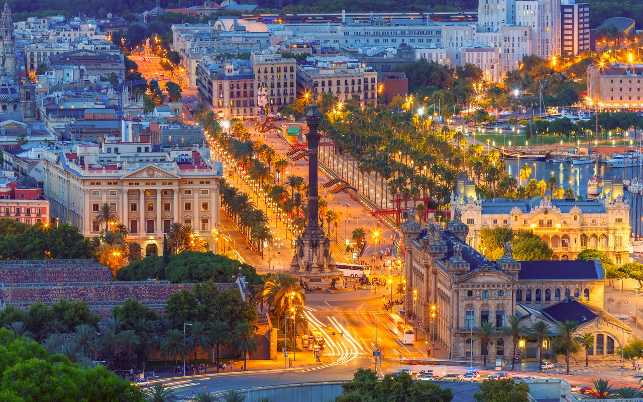 AWAYN IMAGE Explore Las Ramblas, Barcelona