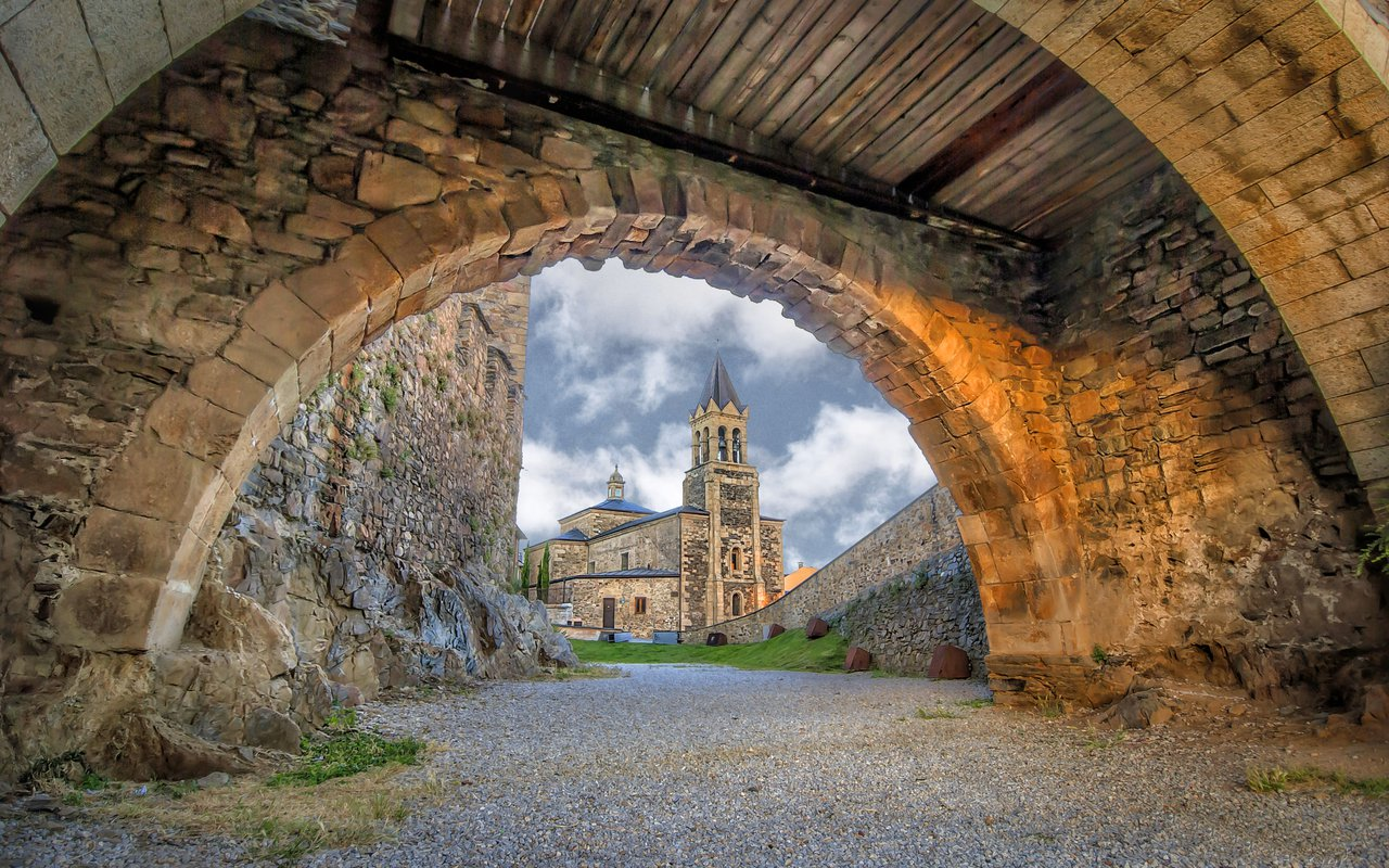 AWAYN IMAGE Visit The Templars Castle