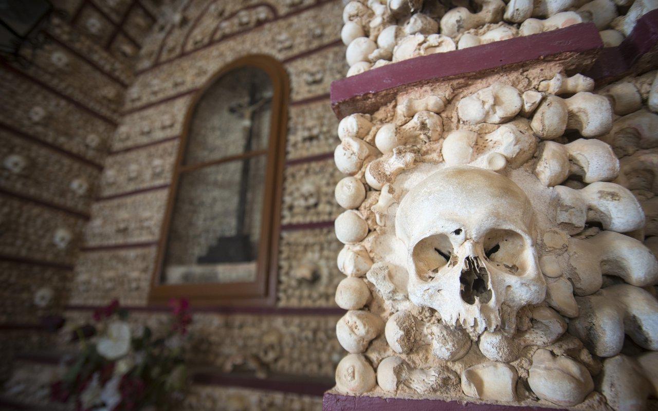 AWAYN IMAGE Portugal's Chapel of Bones Capela dos Ossos