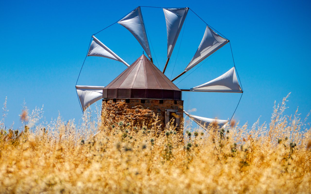 AWAYN IMAGE Walk around the Windmills of Lasithi Plateau