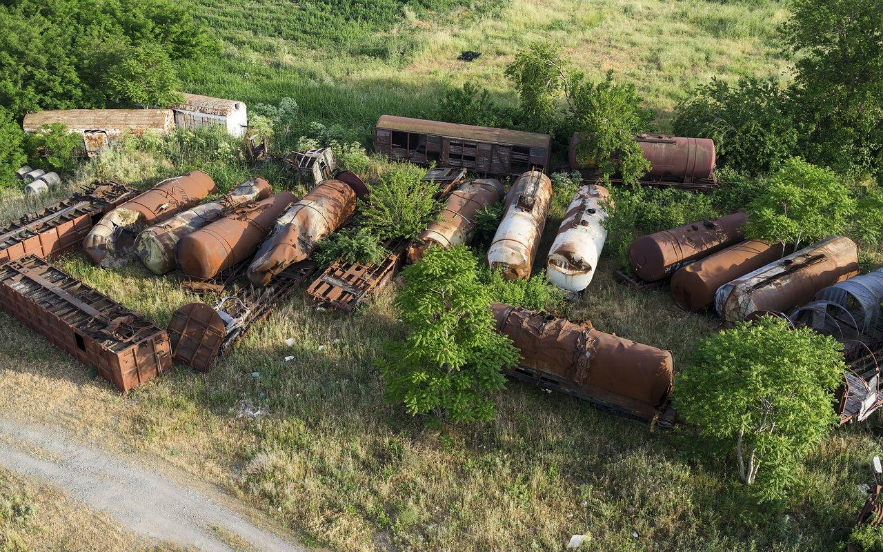 AWAYN IMAGE Thessaloniki Train Cemetery