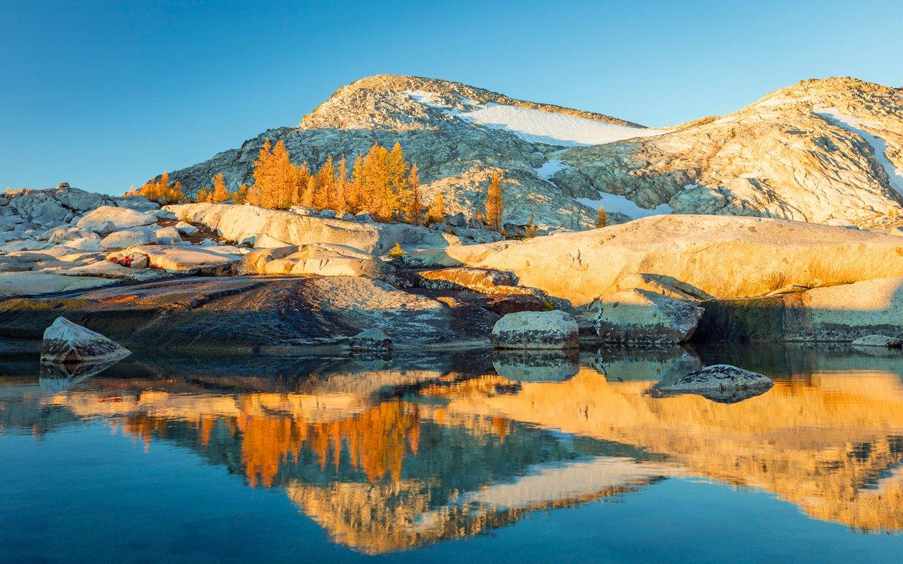 AWAYN IMAGE Asgard Pass, Washington