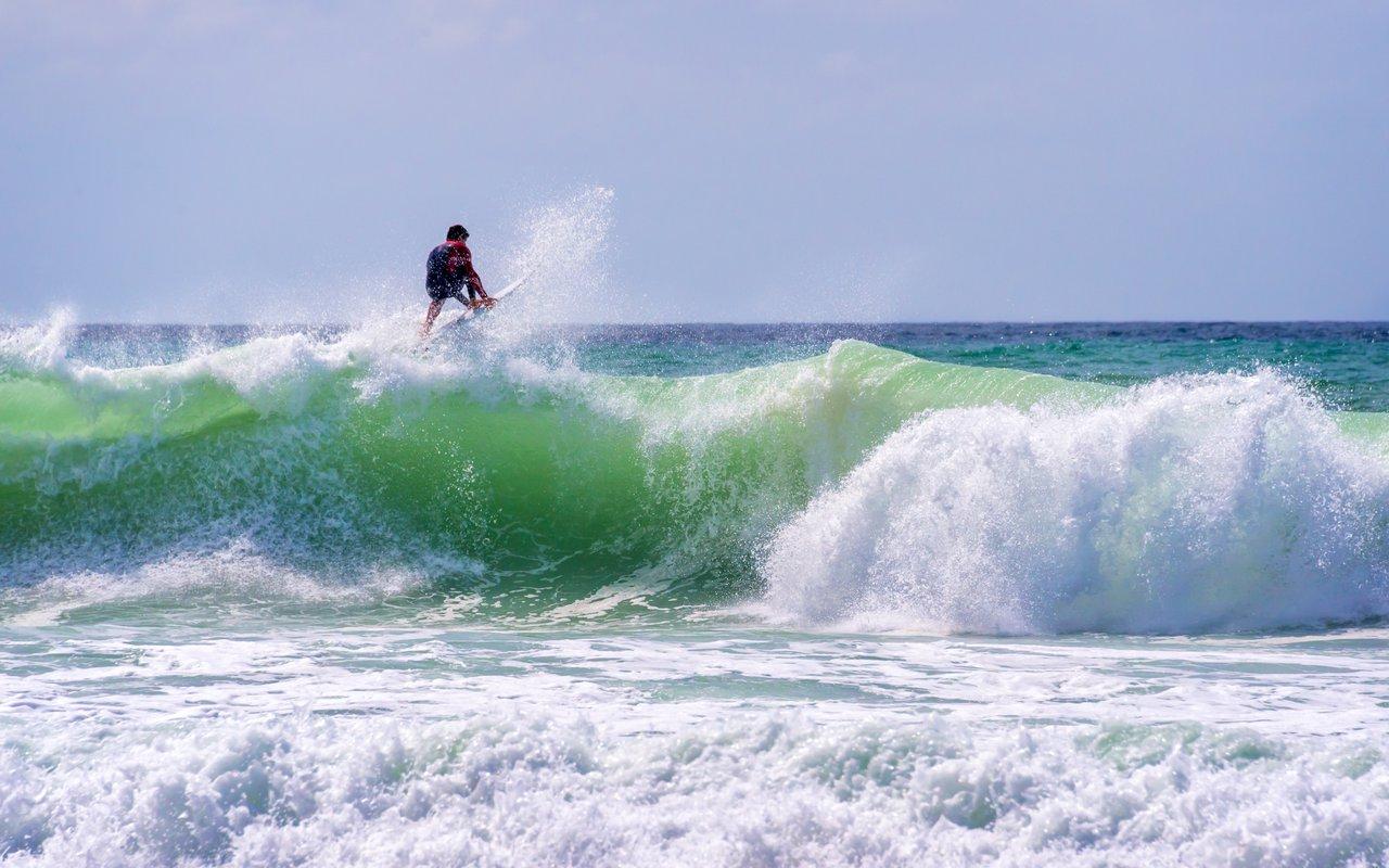 AWAYN IMAGE Surf in Lacanau