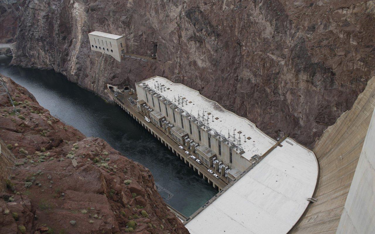 AWAYN IMAGE Hoover Dam