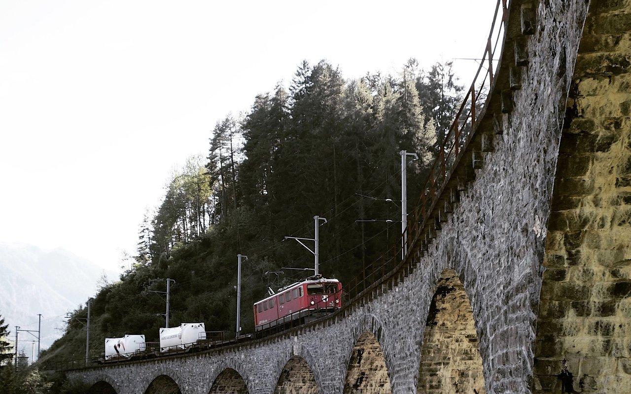 AWAYN IMAGE Visit Landwasser Viaduct, Filisur