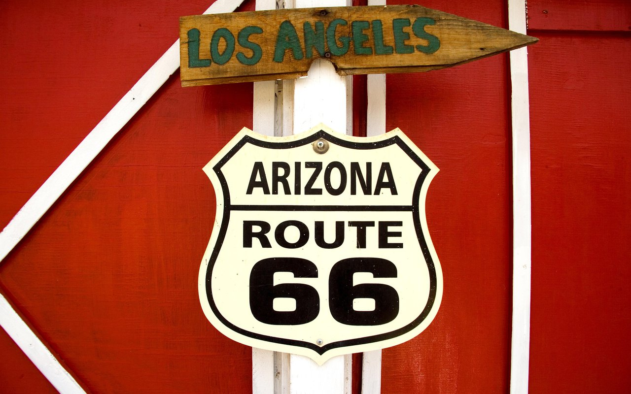 AWAYN IMAGE Driving Route 66