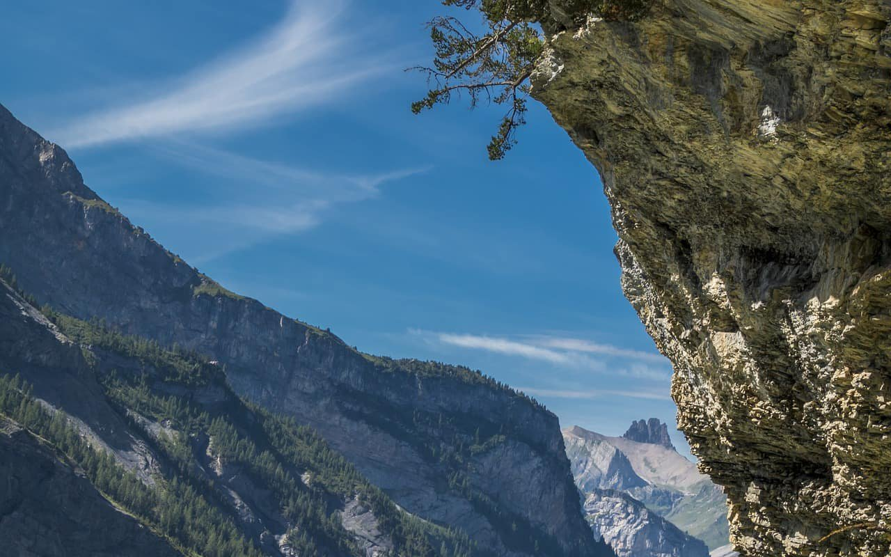 AWAYN IMAGE Kandersteg Hiking