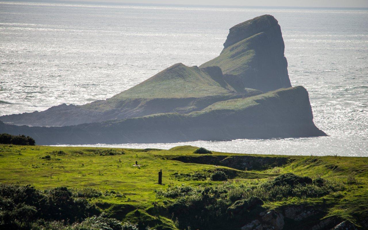 AWAYN IMAGE Walk on Worm's head Wales