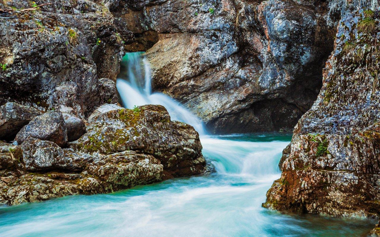 AWAYN IMAGE kuhfluchtwasserfall  (Kuhflucht waterfalls)