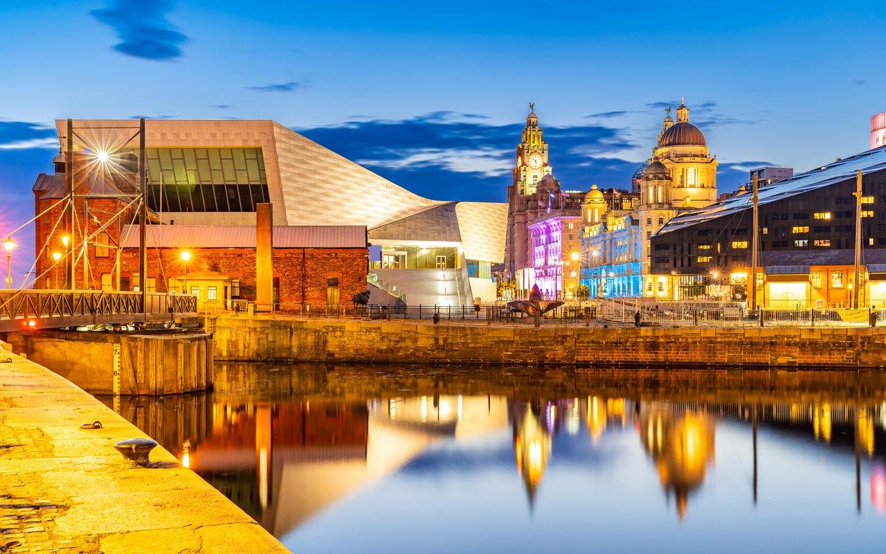 AWAYN IMAGE Visit Royal Albert Dock Liverpool