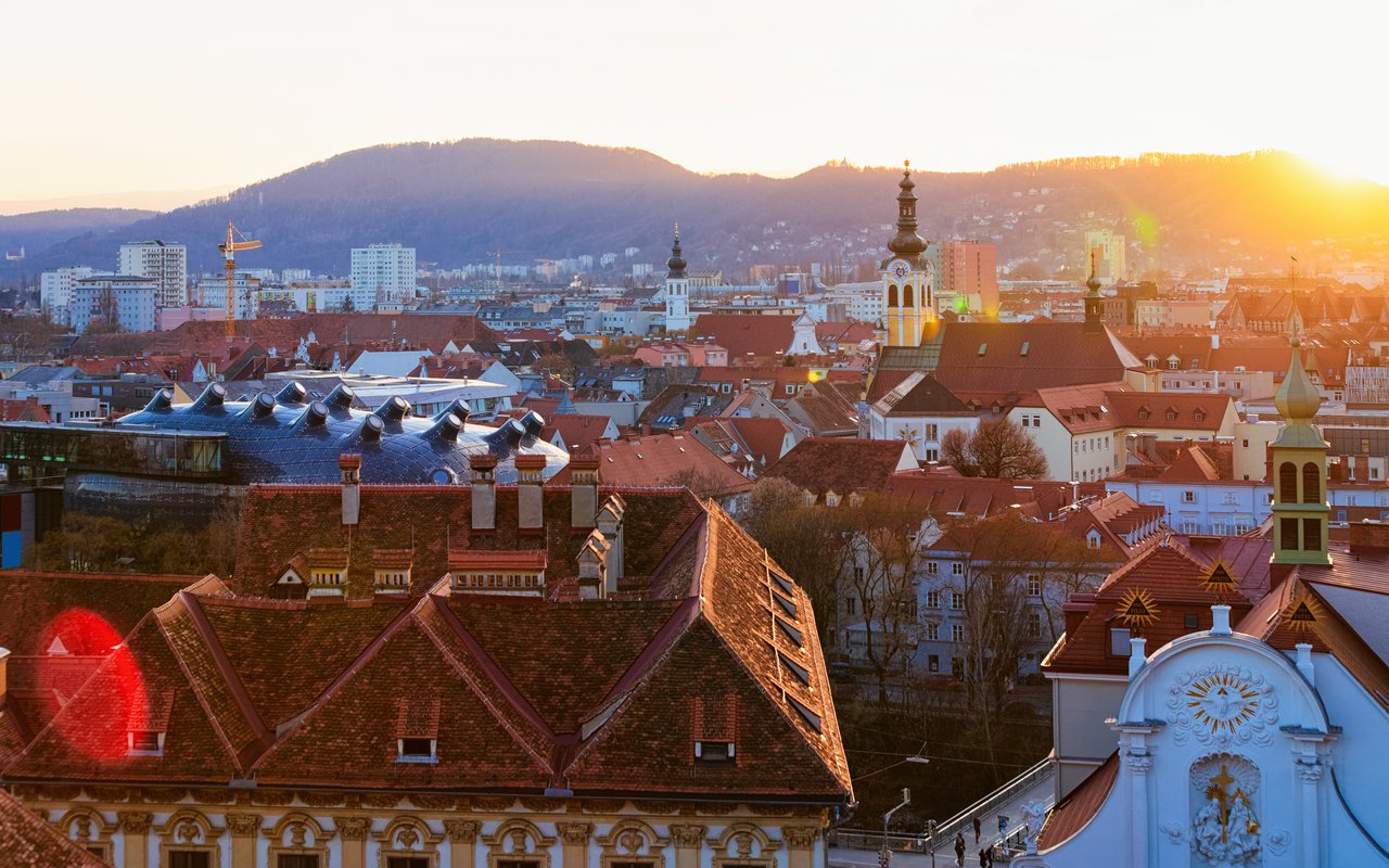 AWAYN IMAGE Walk around the Graz's Schlossberg