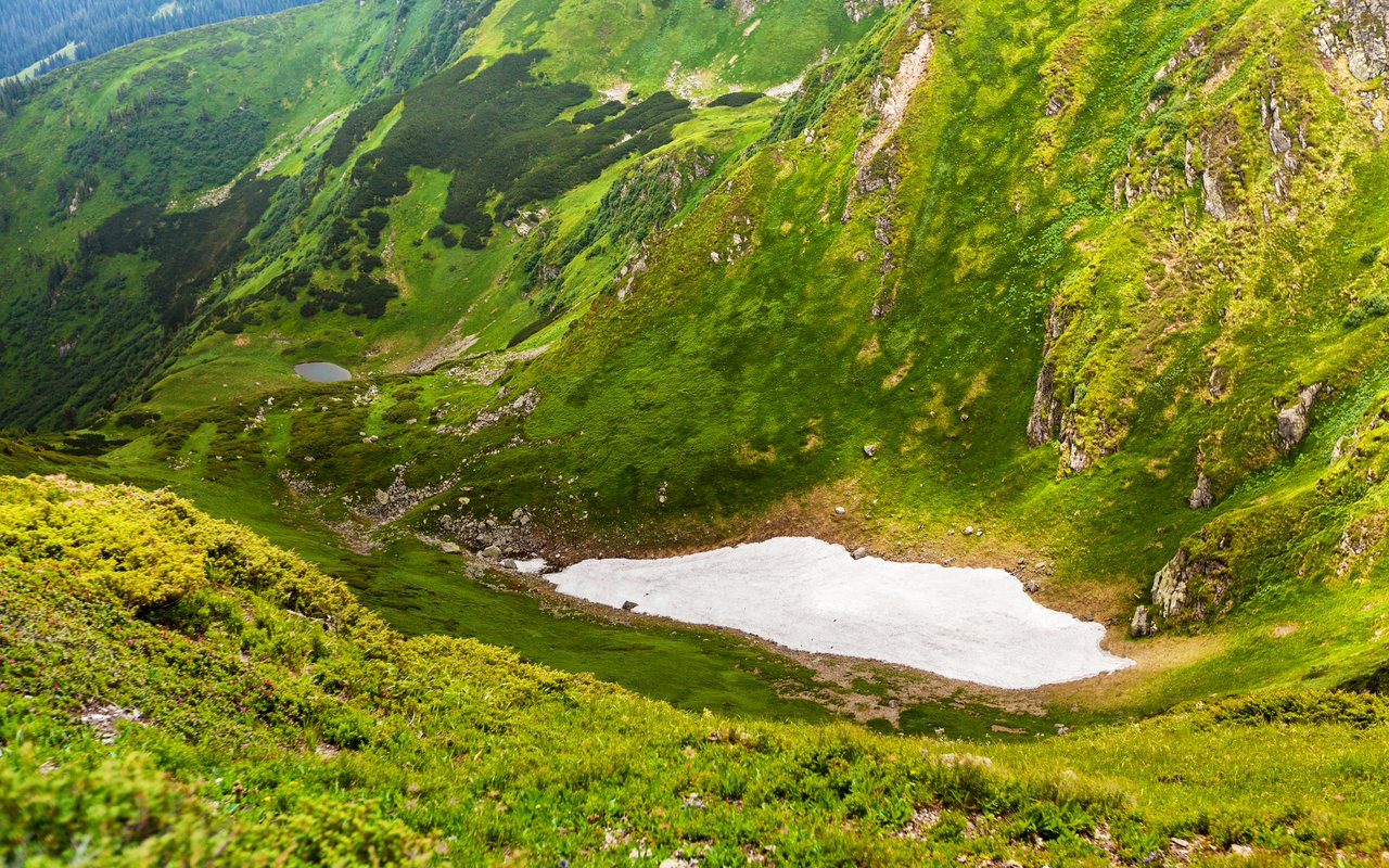 AWAYN IMAGE Carpathian mountains
