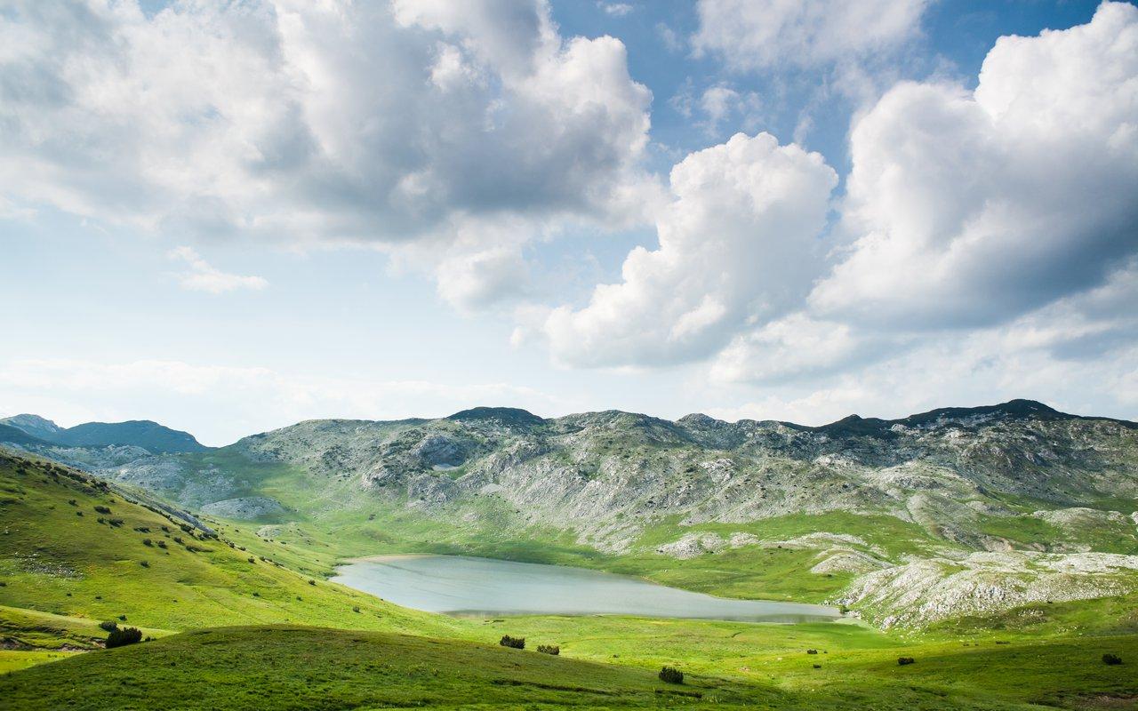 AWAYN IMAGE majestic Dinaric Alps